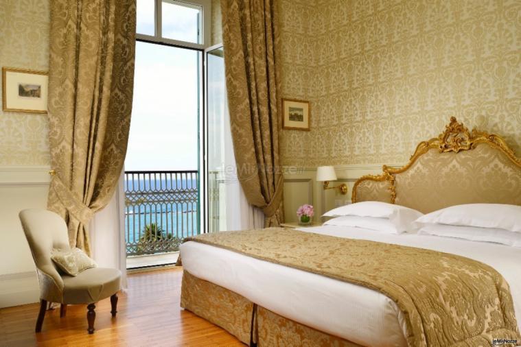 royal hotel sanremo la camera da letto della suite