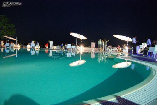 Piscina della location di matrimonio a napoli kora pool for Piscina a napoli