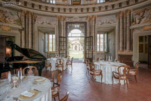 Sala con affreschi per il matrimonio villa rospigliosi for Cantagrillo piscine