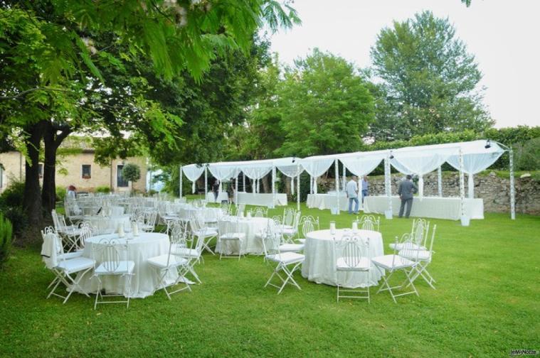 Allestimento Del Matrimonio In Giardino Abbazia Di Sant