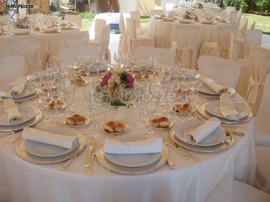 Centrotavola floreali per i tavoli delle nozze il fiore foto 9 - Composizioni floreali per tavoli ...