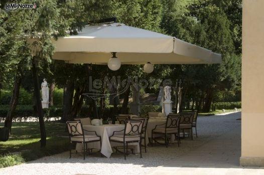 Ricevimento di matrimonio in giardino villa italia foto 9 - Matrimonio in giardino ...