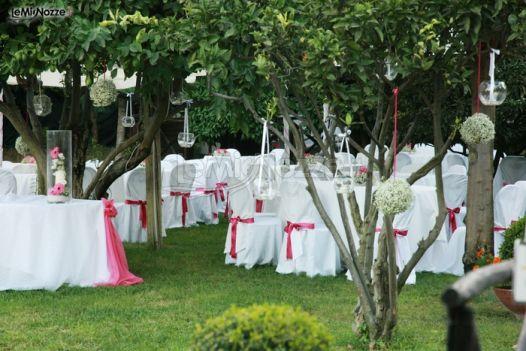 Location Matrimonio Country Chic Napoli : Cerimonia di matrimonio in giardino la terra degli