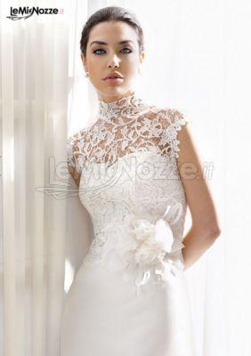 2052eb3961 Abito da sposa con collo alto in pizzo - Delsa - Abiti da sposa - Foto 1