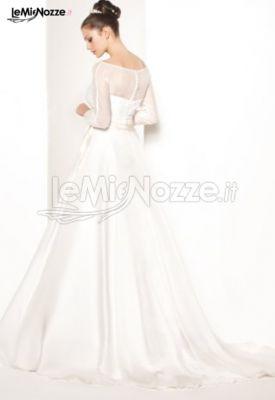 Abiti da sposa con le spalle coperte