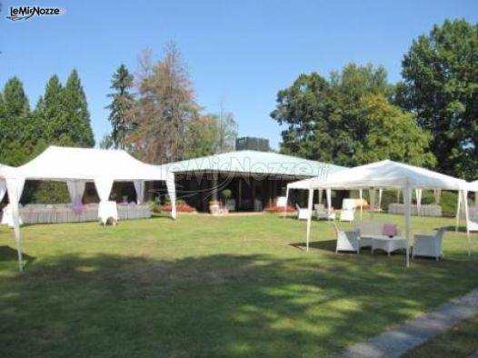 Gazebo Per Matrimonio In Giardino : Gazebo per il ricevimento di matrimonio in giardino
