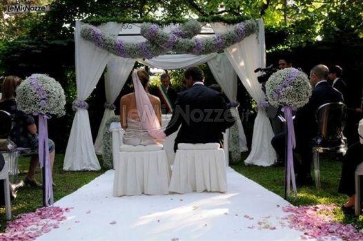 Addobbi Per Matrimonio In Giardino : Foto matrimonio in lilla addobbi di fiori per la