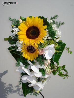 Bouquet Cadente Sposa.Foto 9 Bouquet Sposa Bouquet Cadente Di Girasoli E Orchidee