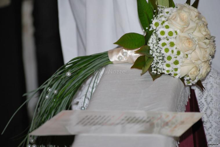 Bouquet Sposa Bianco.Foto 414 Matrimonio In Bianco Bouquet Sposa Bianco Lemienozze It