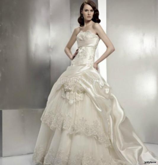 1edde33ed678 Angelo Leoni Abiti da Sposa - selezione di abiti da sposa