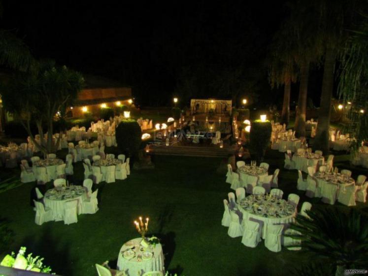 Villa barresa location con piscina per matrimoni a for Addobbi piscina per matrimonio