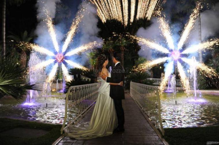 La Pirotecnica Pugliese - Sposi durante lo spettacolo di fuochi d'artificio