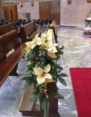 Stelle di natale per le decorazioni floreali in chiesa - Decorazioni stelle di natale ...