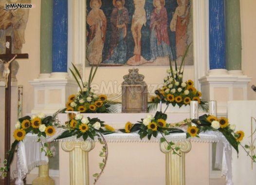 Decorazioni floreali per il matrimonio in chiesa