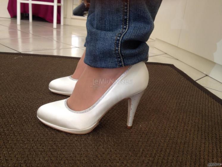 Riondato Calzature - Realizzazione di scarpe da sposa su misura a Torino -  LeMieNozze.it 735e9e23772