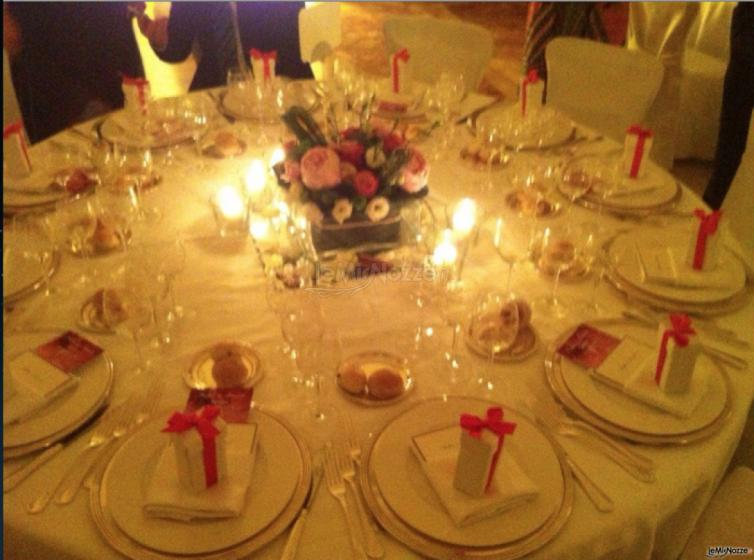 Baci Mi Piaci - Bomboniere profumo personalizzato sui tavoli delle nozze