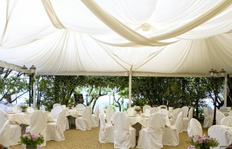 Matrimonio In Firenze : Ricevimento di matrimonio in giardino a firenze villa le