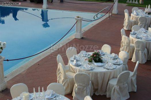 Ricevimento di matrimonio a bordo piscina villa parsifal for Matrimonio bordo piscina