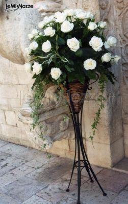 Fiori Bianchi Canzone.Foto 323 Addobbi Floreali Chiesa E Cerimonia Composizione