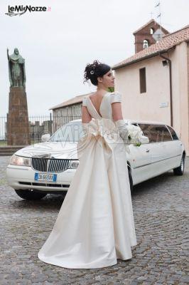 Vestito da sposa con annodatura sul retro